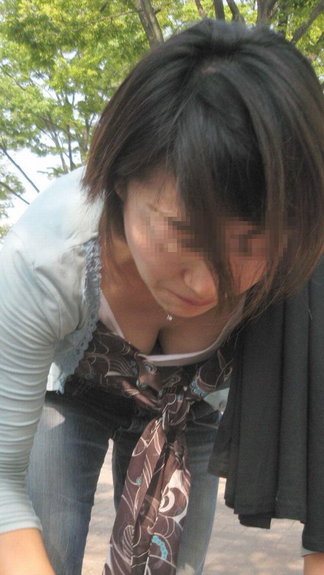 ラッキースケベ 胸チラエロ 画像008