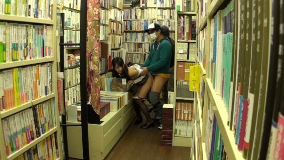 近所の本屋さえ行かせられない日本\(^o^)/オワタwwwwwww(画像あり)・24枚目