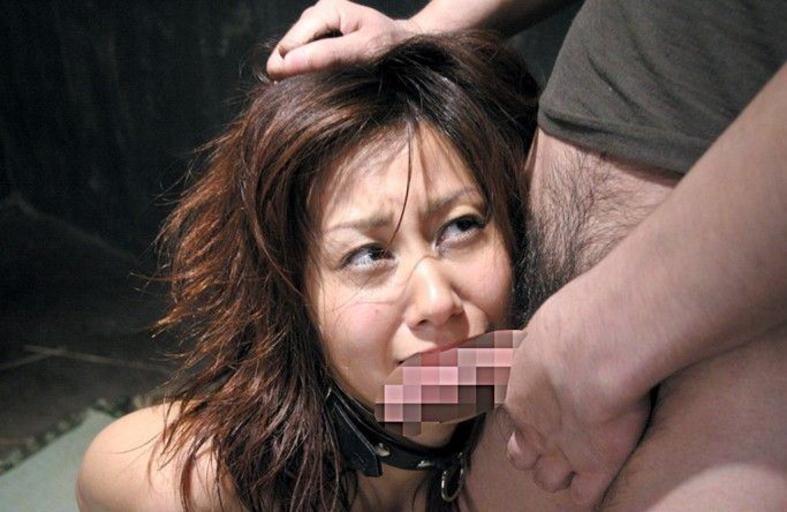 【画像あり】フェラで睨みつけてくる生意気女を服従させてヤる・・・・33枚目