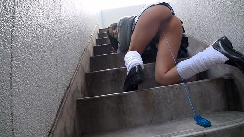 学校内で露出を撮影する遊びのノリ、すこwwwwwww(画像あり)・16枚目