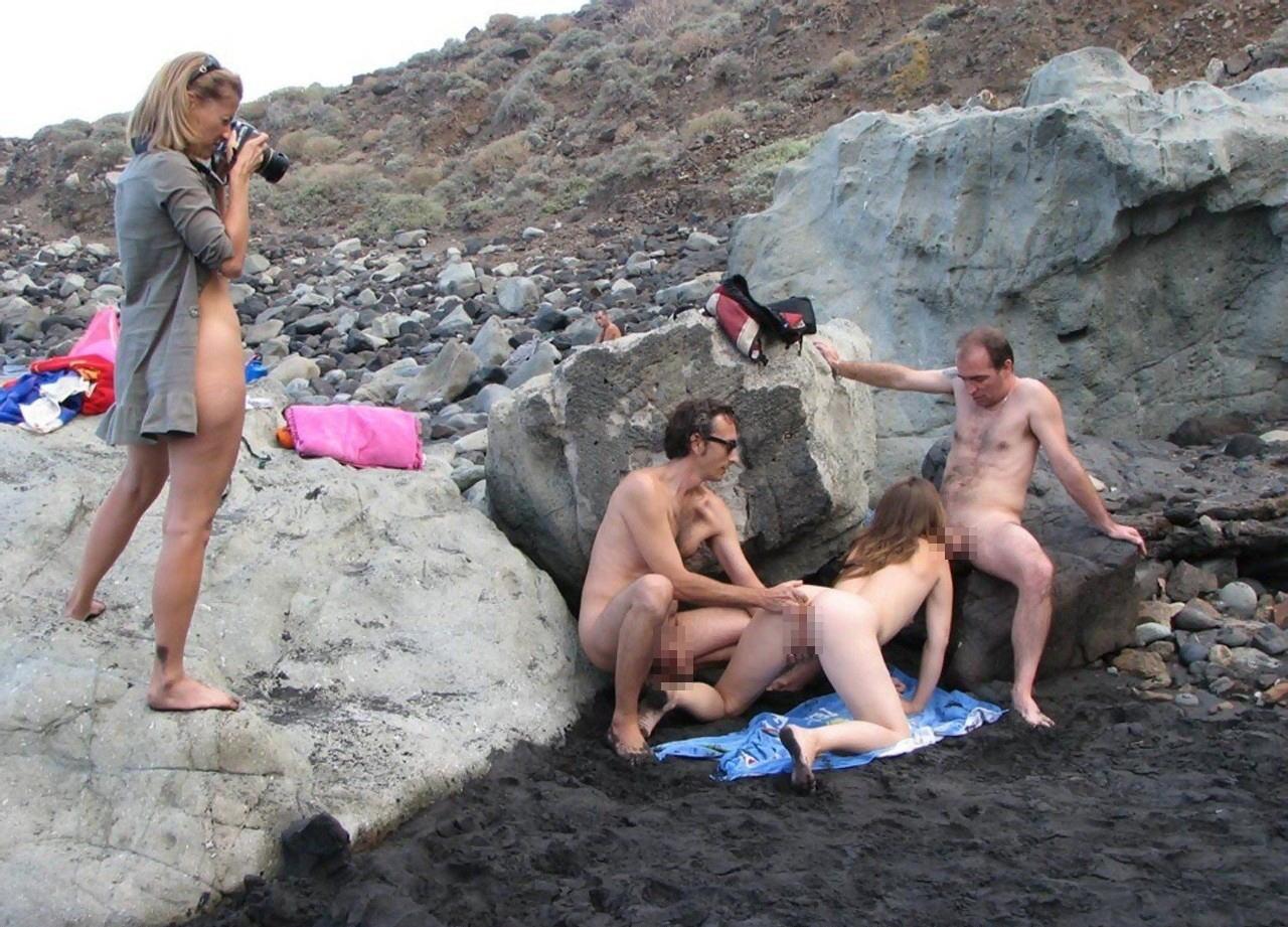 ヌーディストビーチで開かれるリア充たちの乱交パティーをご覧くださいwwww(画像37枚)・21枚目