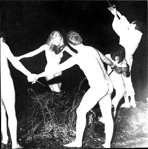 女を生贄にする海外のエロい儀式。(画像34枚)・22枚目