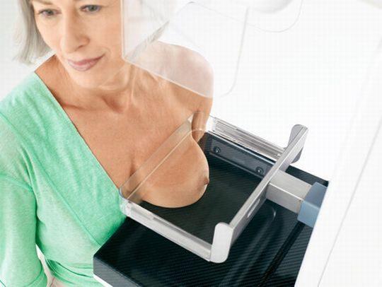 海外女子の身体測定中の保健室覗いたったwww(画像34枚)・28枚目