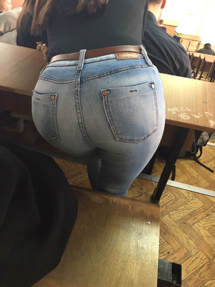 ロシアの女子校内で女の子たちがいかにエロいことしてるかよくわかる画像集(33枚)・30枚目