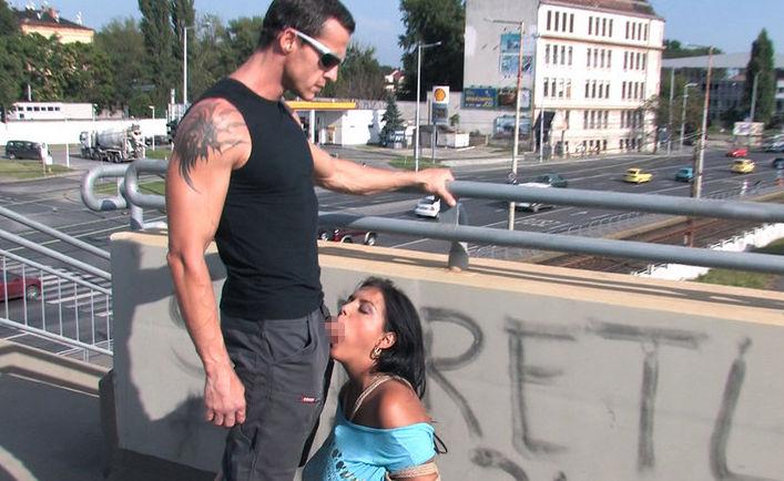 逮捕覚悟で街中で公然とフェラ営業する女wwwwwwwww(画像31枚)・7枚目