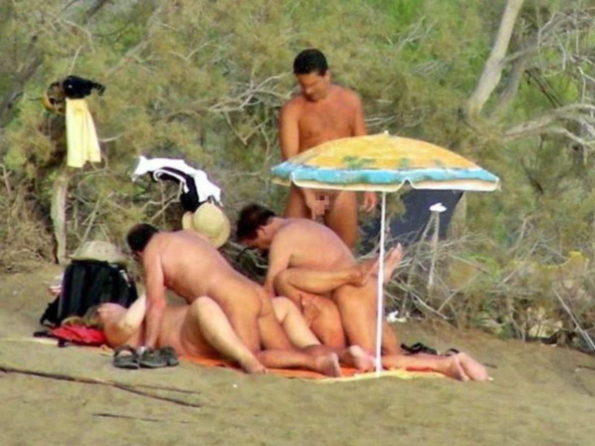 ヌーディストビーチで開かれるリア充たちの乱交パティーをご覧くださいwwww(画像37枚)・7枚目