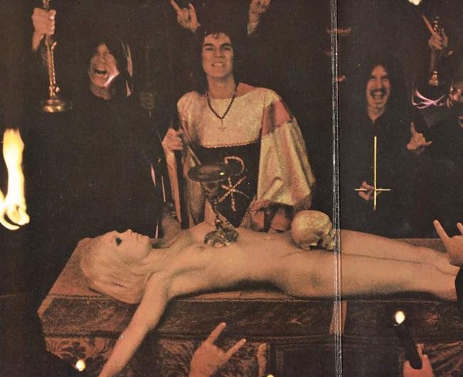 女を生贄にする海外のエロい儀式。(画像34枚)・8枚目