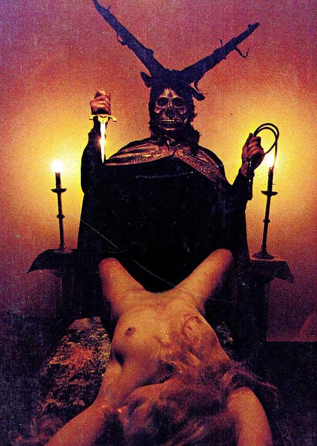 女を生贄にする海外のエロい儀式。(画像34枚)・9枚目