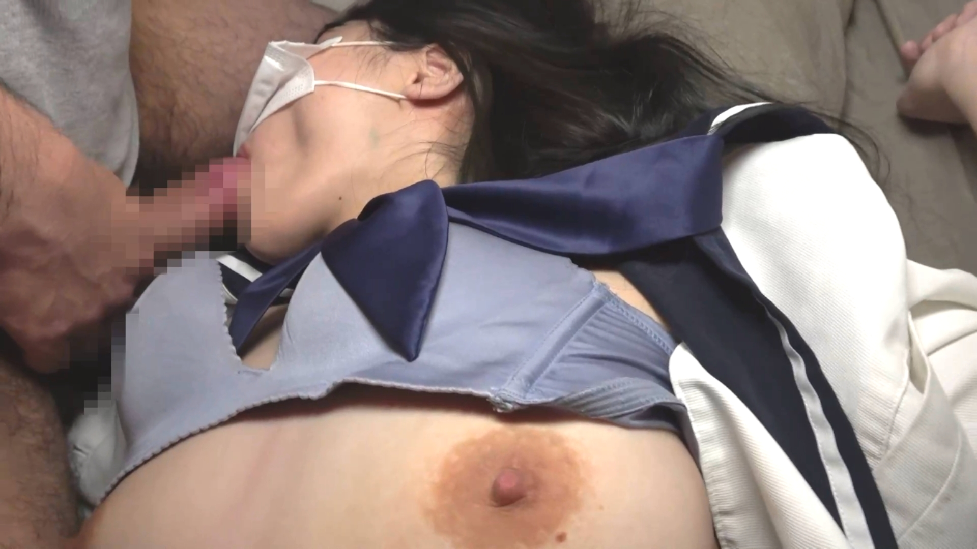 【※ゲス動画】寝てる女子○生を犯す映像が販売される・・・・・13枚目