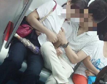 電車内で見せつけてくるバカップルを晒していく。(画像あり)・11枚目