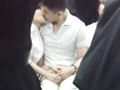 電車内で見せつけてくるバカップルを晒していく。(画像あり)・12枚目