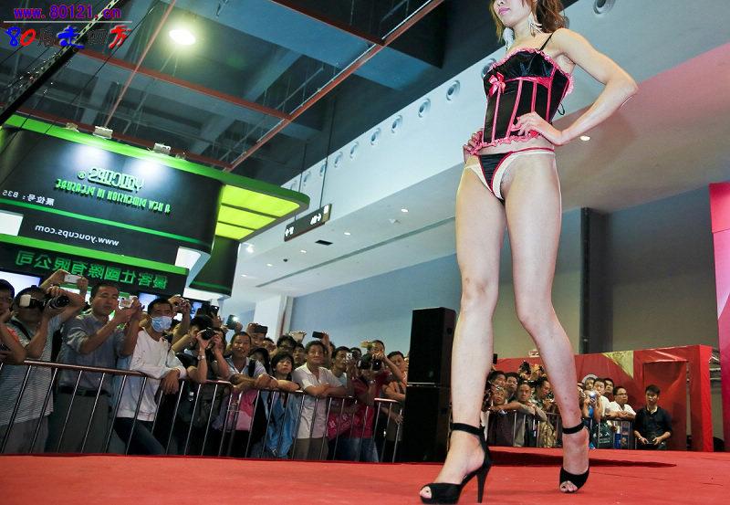 中国の下着モデルさん、がっつりマムコハミ出すwwwwwwww(※画像あり)・15枚目