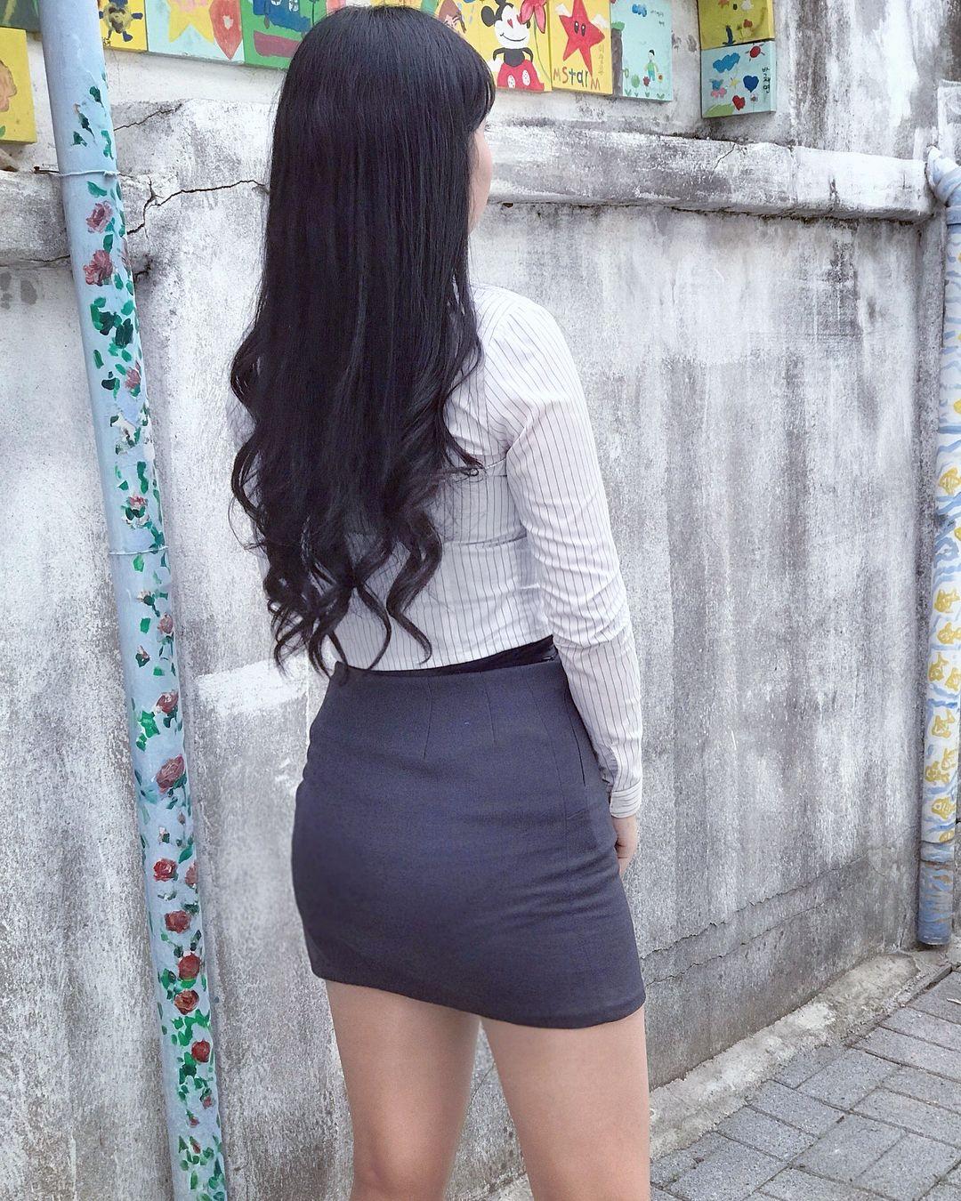 際どいファッションで街中を歩く半露出狂の韓国女性たち(画像25枚)・18枚目