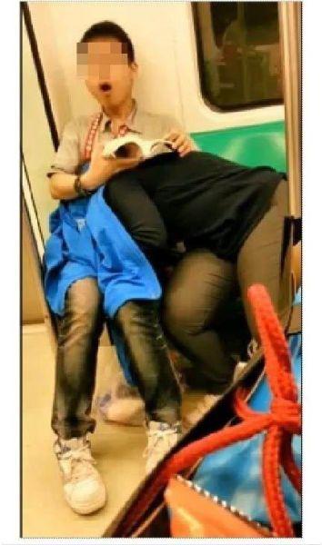 電車内で見せつけてくるバカップルを晒していく。(画像あり)・2枚目