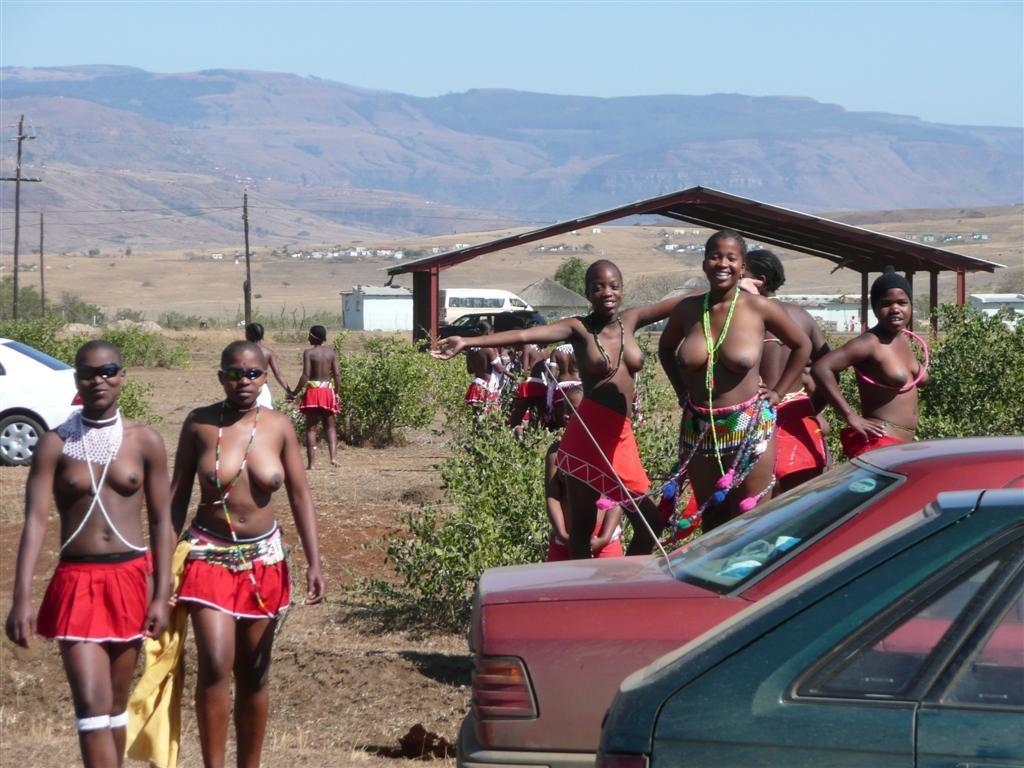 【ぐぅ有能】部族最強のおっぱいがコチラwwwwwwww(画像49枚)・34枚目