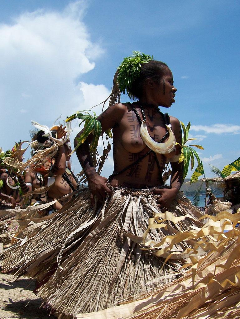 【ぐぅ有能】部族最強のおっぱいがコチラwwwwwwww(画像49枚)・5枚目