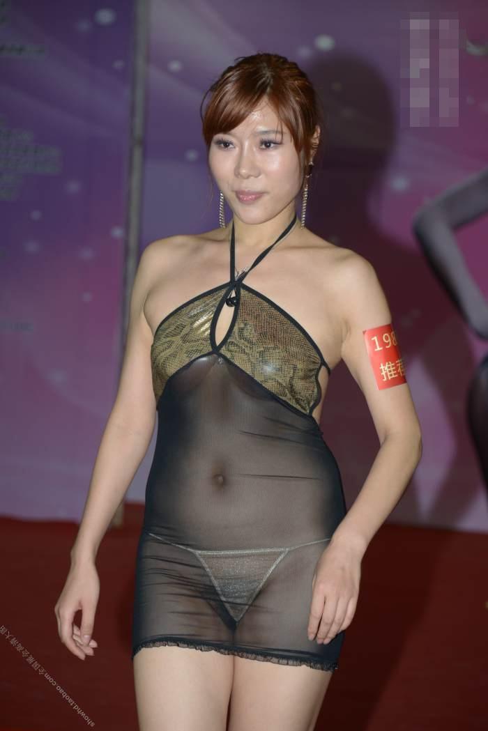 中国の下着モデルさん、がっつりマムコハミ出すwwwwwwww(※画像あり)・5枚目