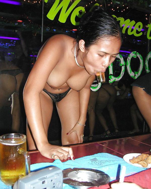 アジアの人気ガールズバーの実態をご覧ください。(画像30枚)・15枚目