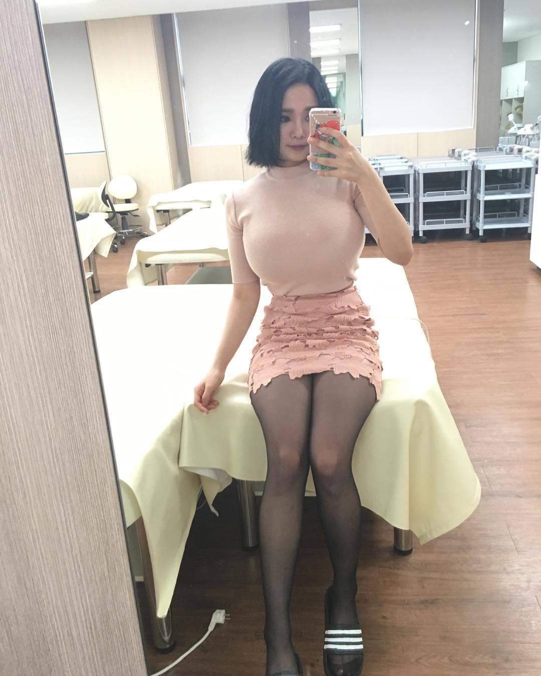 なにこの着衣爆乳wwwwwガチでこんな素人いるのかよwwwww(画像あり)・29枚目