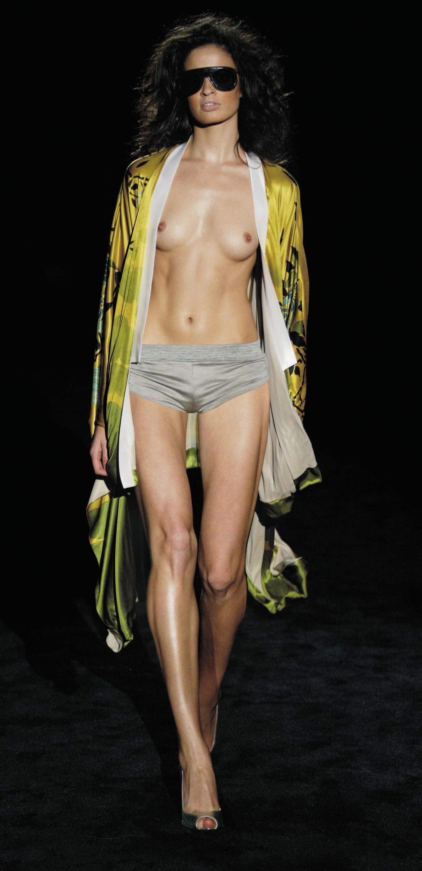 ファッションショーでプロモデルが犯した失態ハプニング集wwwwwww(画像29枚)・11枚目