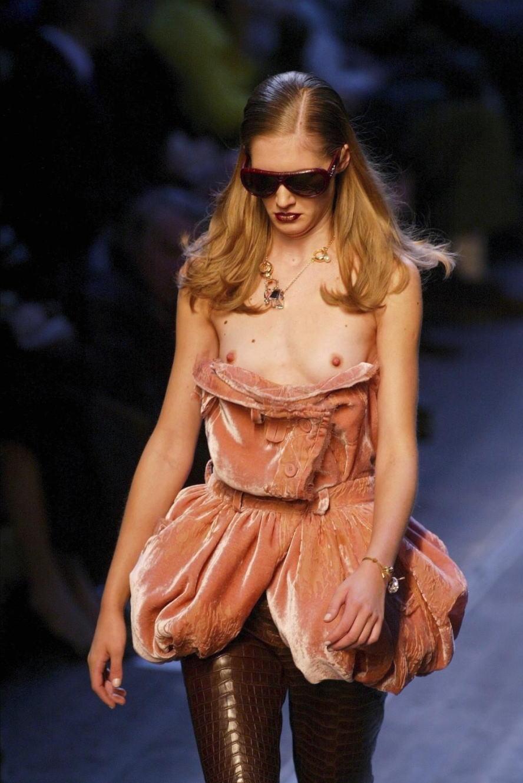 ファッションショーでプロモデルが犯した失態ハプニング集wwwwwww(画像29枚)・14枚目