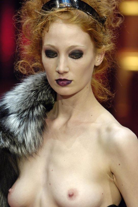 ファッションショーでプロモデルが犯した失態ハプニング集wwwwwww(画像29枚)・7枚目