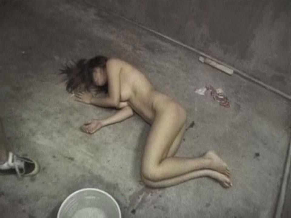 全裸で野外放置されてる女の子、リアルすぎやろ。。。(25枚)・21枚目