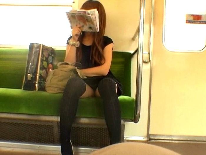 うわぁ・・・・・・・電車の向かいの席に露出狂がいる誰か助けて。。。(※画像あり)・8枚目
