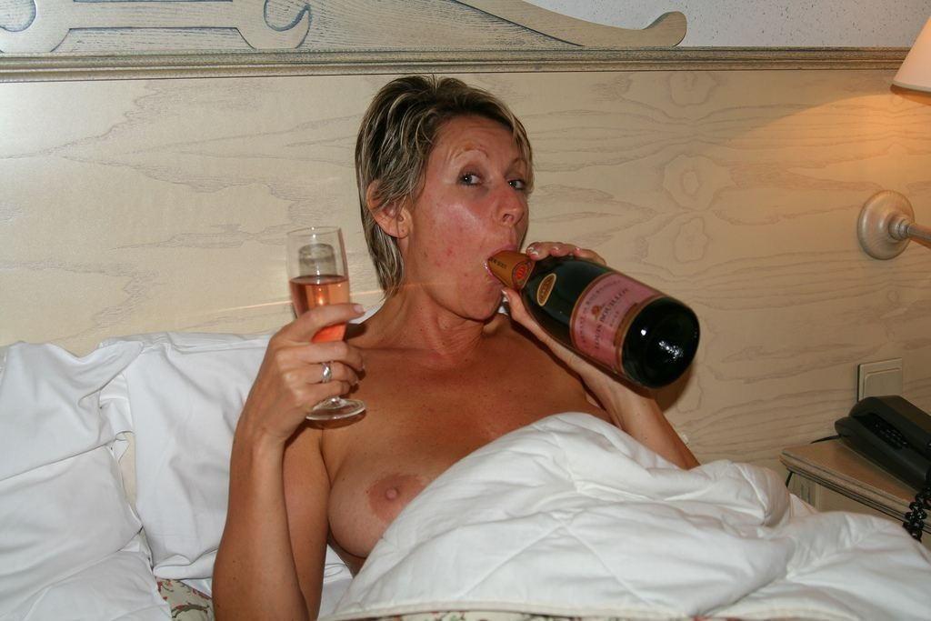 【後悔不可避】女たちがお酒で一番良くやる失敗がこちら。。。(画像あり)・14枚目