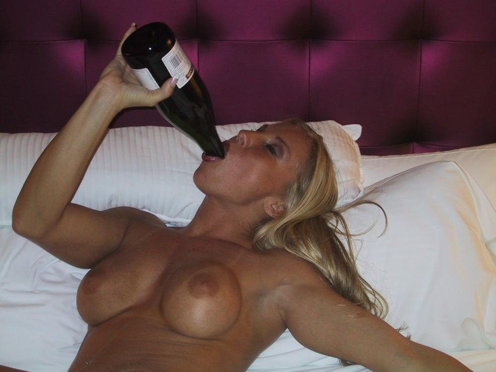 【後悔不可避】女たちがお酒で一番良くやる失敗がこちら。。。(画像あり)・27枚目