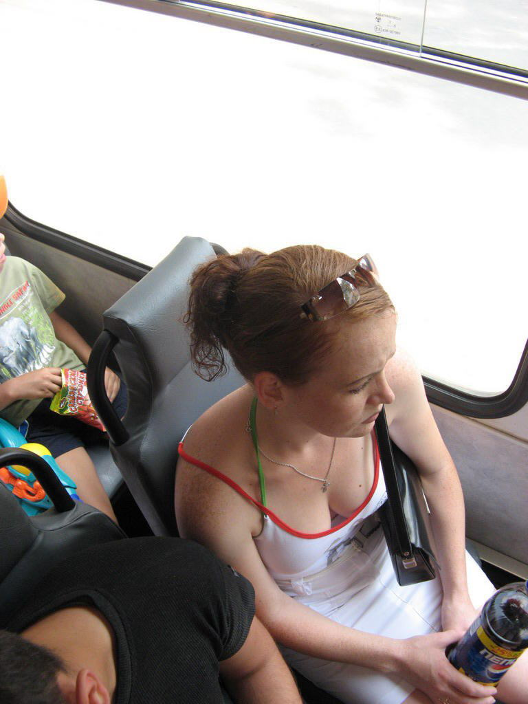 【無防備】電車の中でワイがいつも立っている理由がコレ。(画像36枚)・21枚目