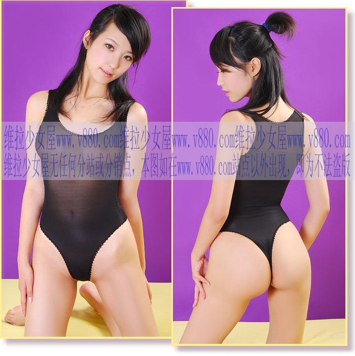 エロ格好の女性下着モデルたち。色々丸出しwwwwwww(画像31枚)・2枚目